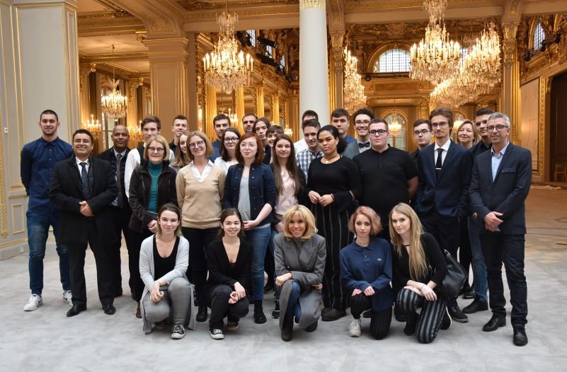 Elysée - Photo de groupe avec Mme Macron